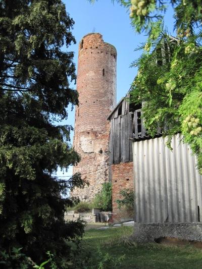 Burgruine, Tabakmusueum und Mühle in Vierraden