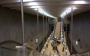 S- Bahnhof Leipzig- Markt: der Ausgangspunkt für einen Bummel über den Weihnachtsmarkt.